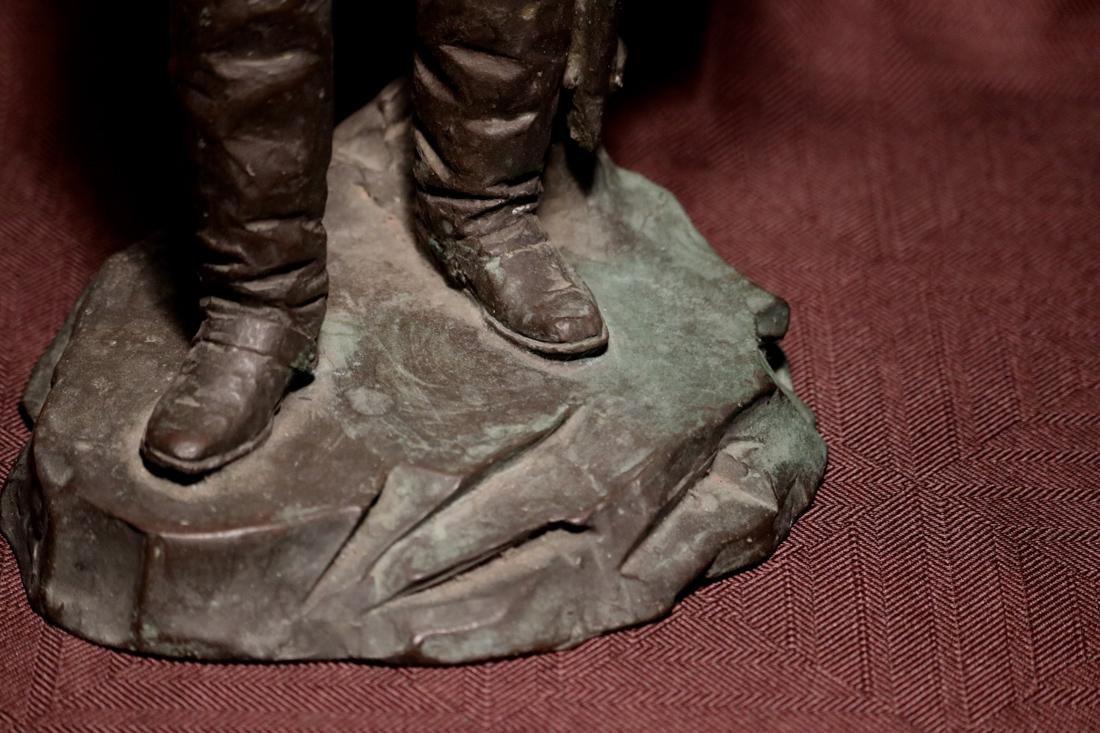 Japanese Bronze Sculpture of a General - 4