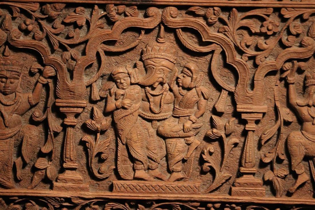 Indian Sandle Wood Box with Figural Scene - Albert - 2