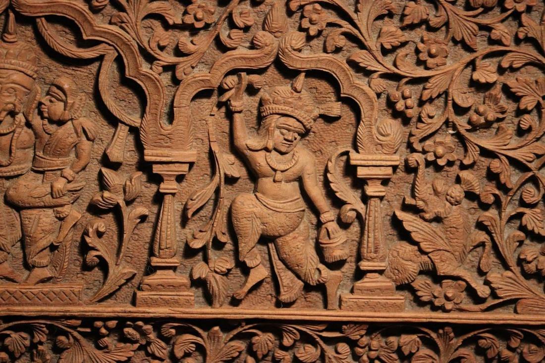 Indian Sandle Wood Box with Figural Scene - Albert - 3