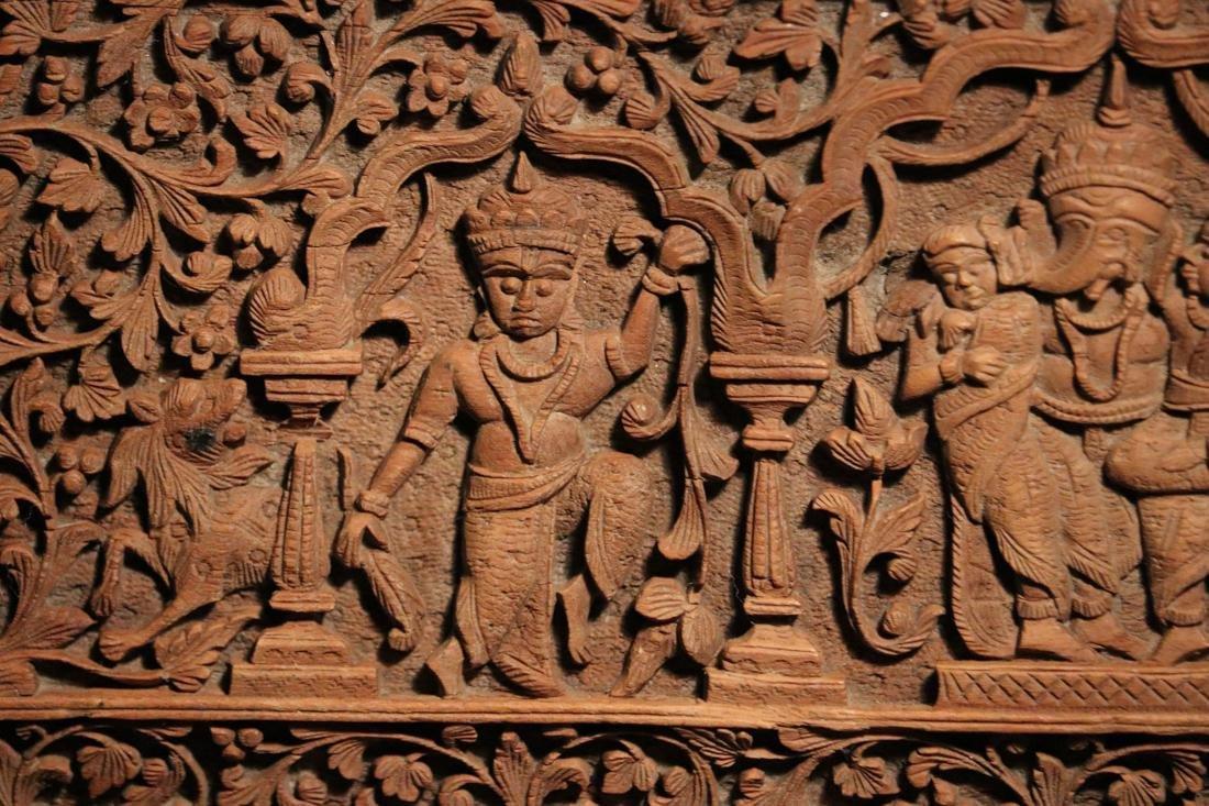 Indian Sandle Wood Box with Figural Scene - Albert - 4
