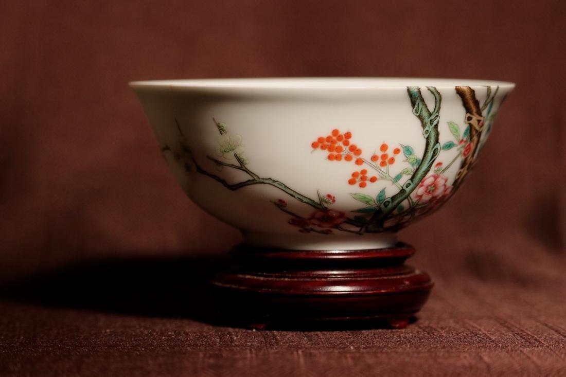 Chinese Porcelain Bowl with Wood Base - Albert Gallatin - 3