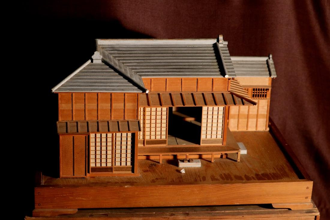 Rare Japanese Traditional House Model with Presentation - 2