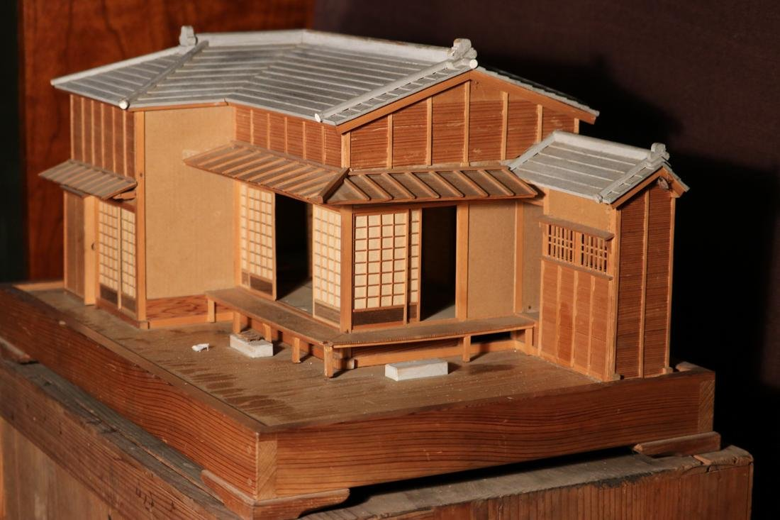 Rare Japanese Traditional House Model with Presentation - 4
