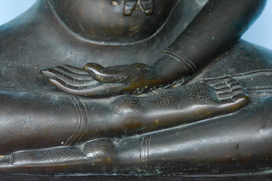 Important Thai Seated Bronze Buddha - 5