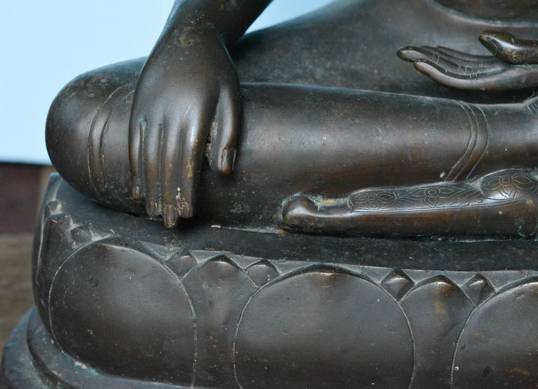 Important Thai Seated Bronze Buddha - 6