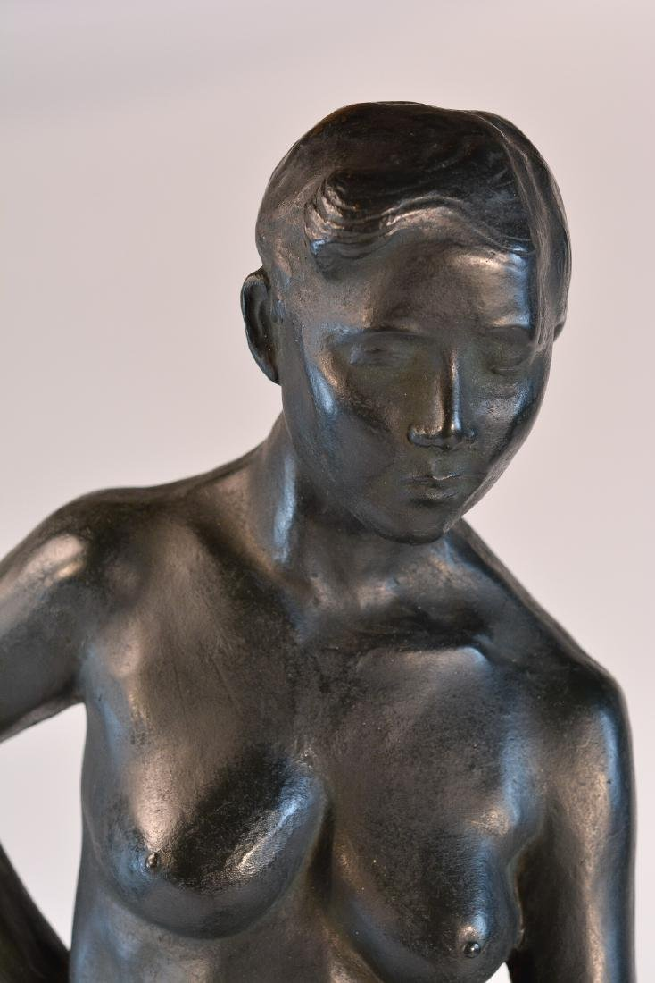 Important Japanese Bronze Sculpture of a Women - 2