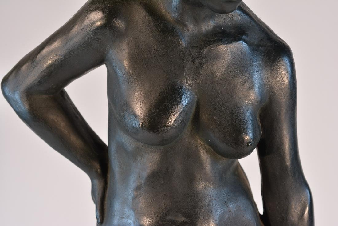 Important Japanese Bronze Sculpture of a Women - 4