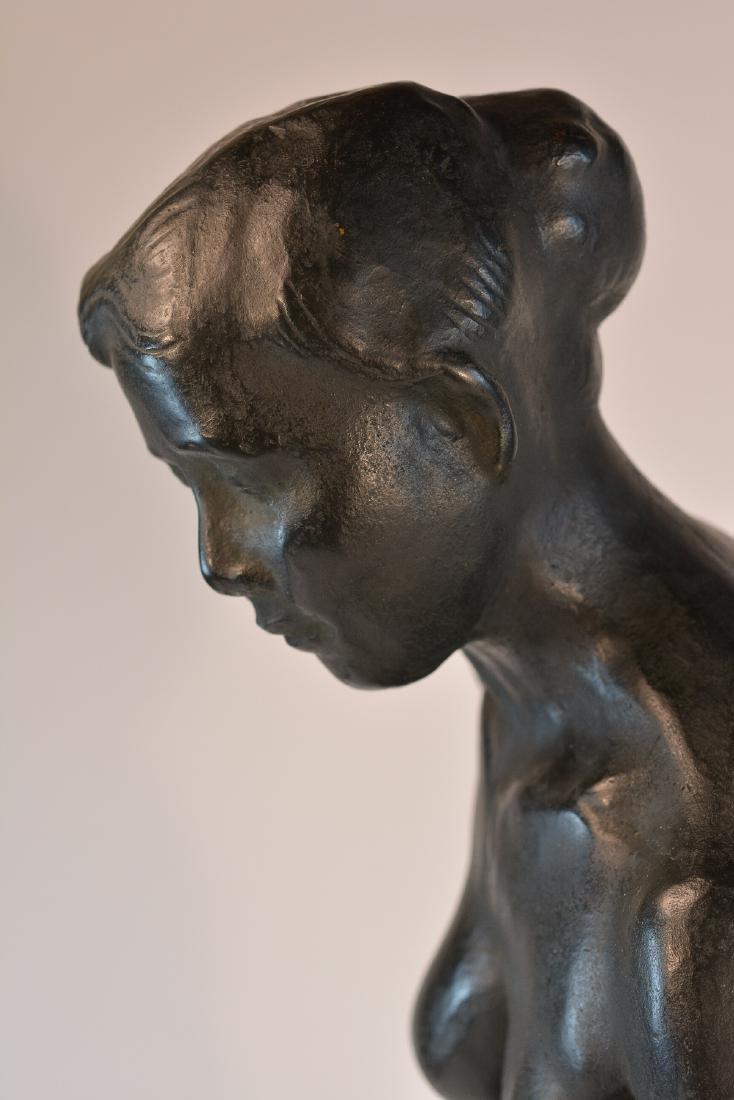Important Japanese Bronze Sculpture of a Women - 7