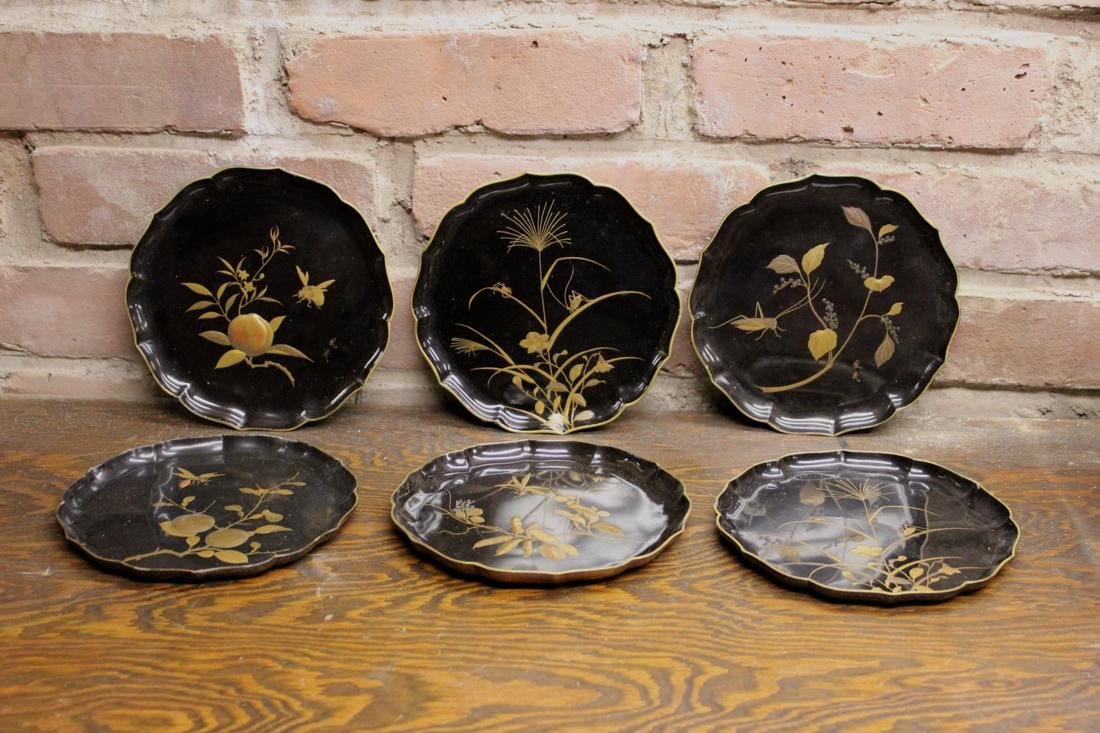 Japanese Lacquer Dishes with Insect - signed - Museum