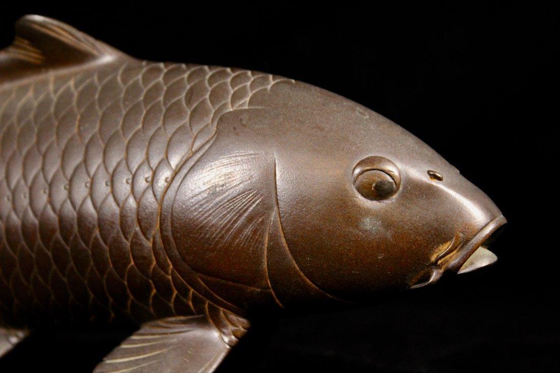Two Japanese Meiji Bronze Carp by Hideaki - 8