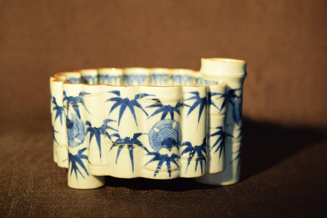 Japanese Blue White Porcelain Lobbed Bowl