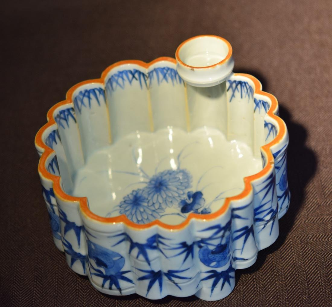 Japanese Blue White Porcelain Lobbed Bowl - 4