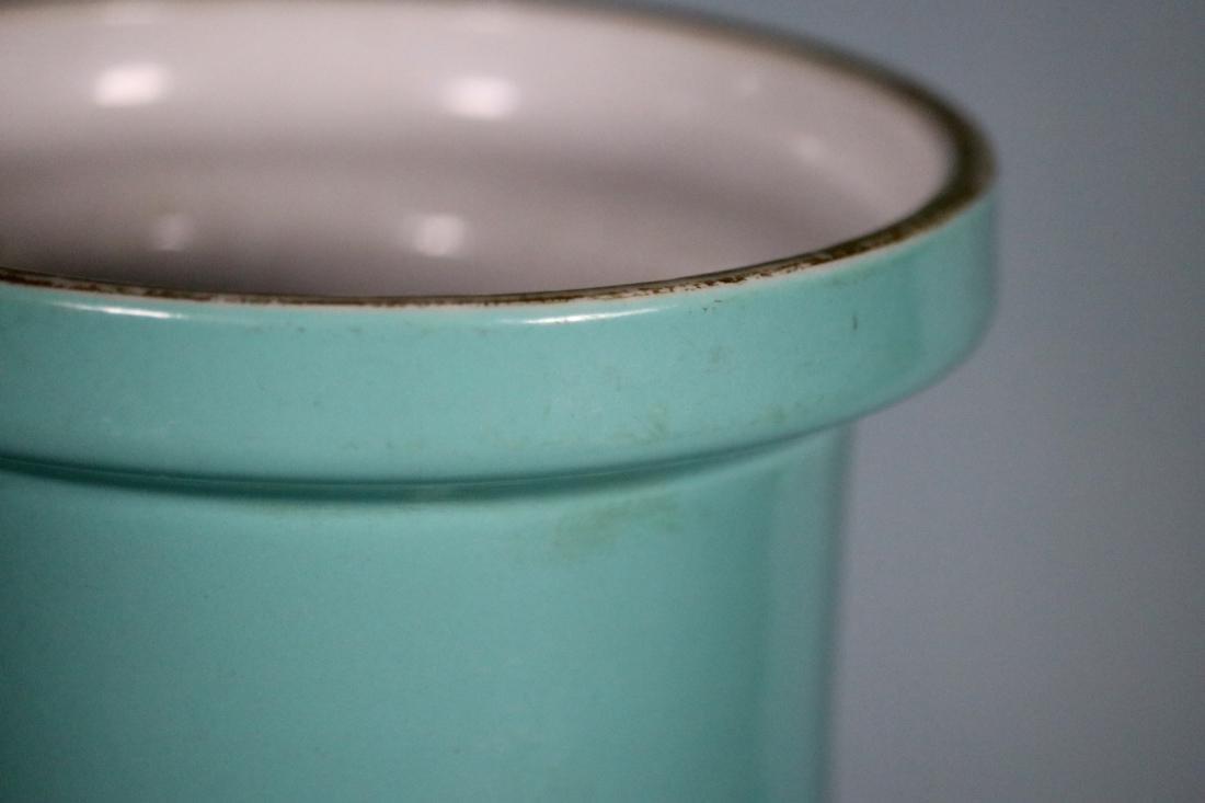 Chinese Lake Green Glazed Rouleat Porcelain Vase - 2