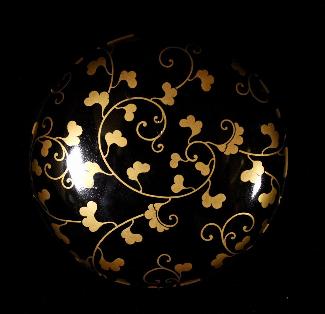 Japanese Black Lacquer Round Box with Gilt - 4