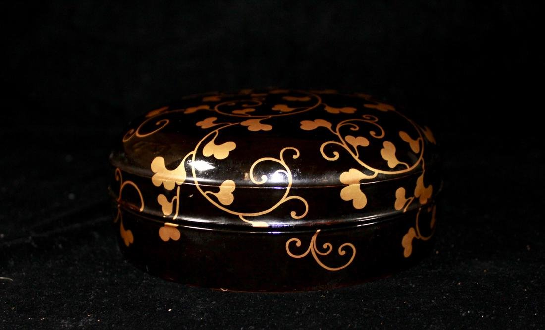 Japanese Black Lacquer Round Box with Gilt - 6