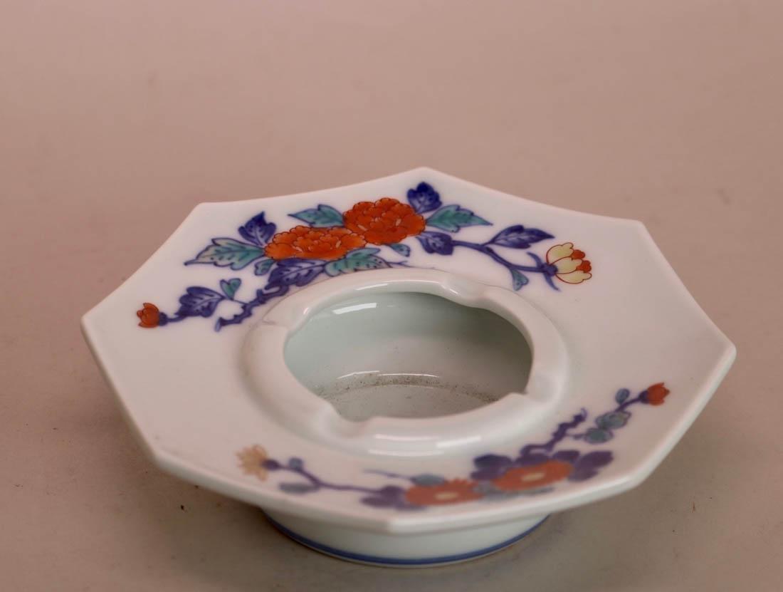 Japanese Kakeimon Porcelain Smoking Tray Set with Box - 4