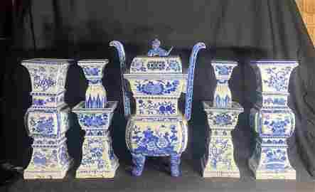 Chinese Blue Whte Porcelain Altar Censer Set