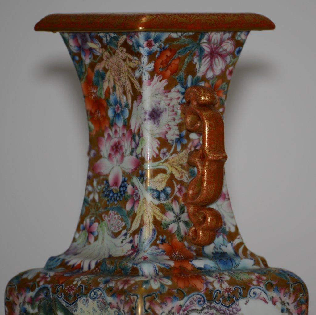 Fine Pair of Chinese Republic Porcelain Vases - 7