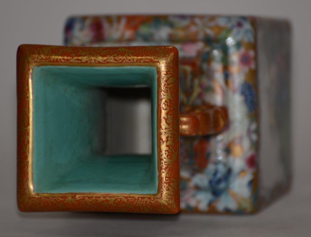 Fine Pair of Chinese Republic Porcelain Vases - 9