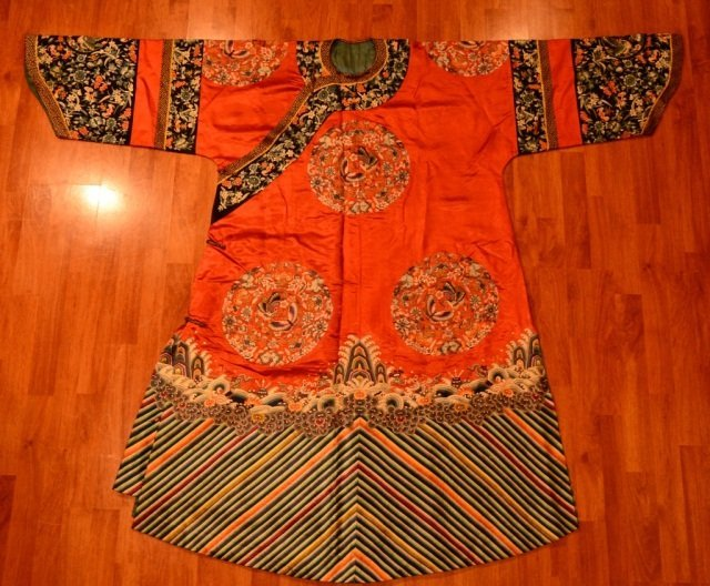 Chinese Red Silk Embroidery, Casual Court Robe