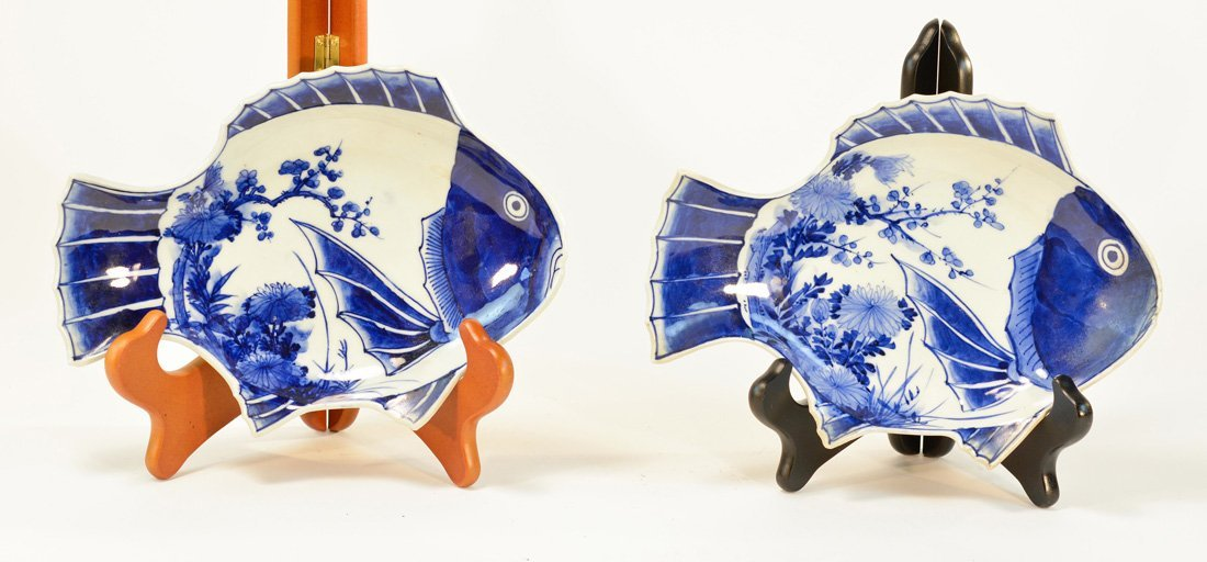 Pair Japanese Imari Porcelain Fish Plates
