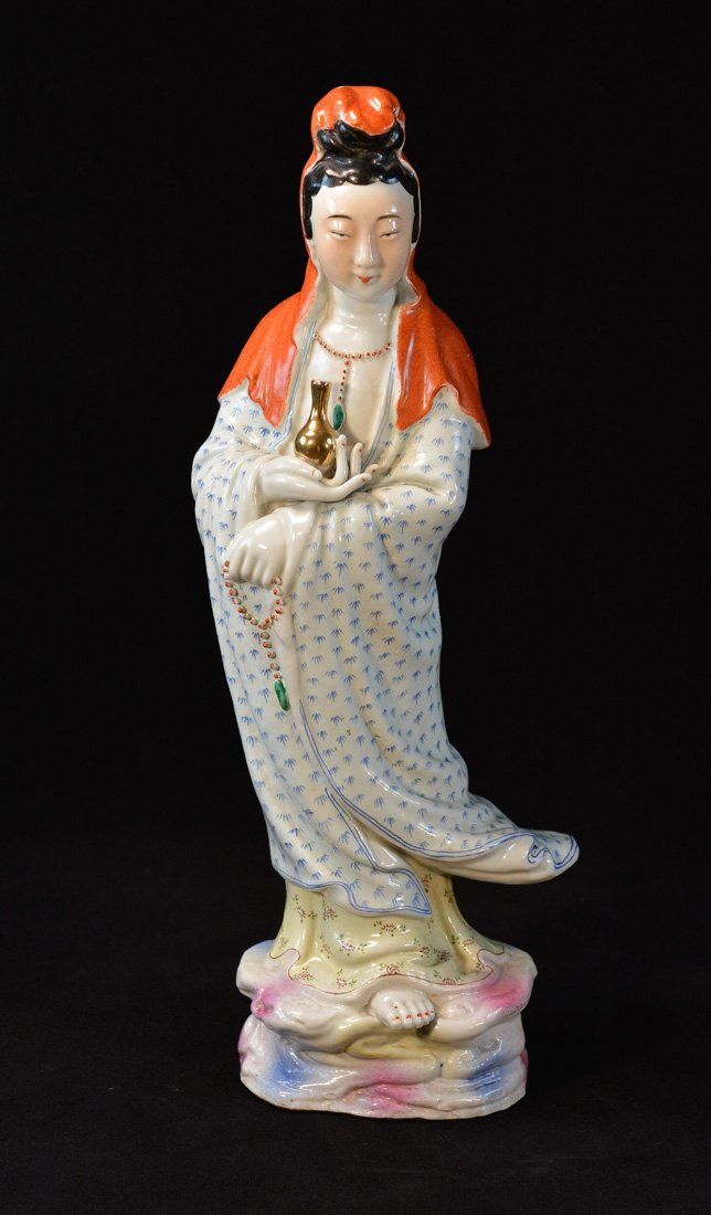 Chinese Famille Rose Porcelain Kuanyin