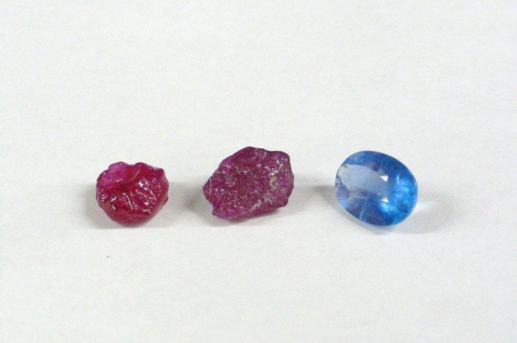 1 fluorite & 2 uncut rubies