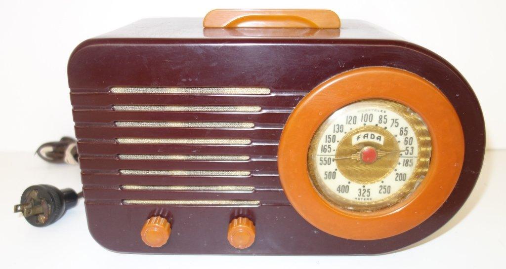 Fada two toned radio