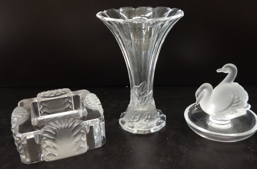 3 piece frosted glass lot