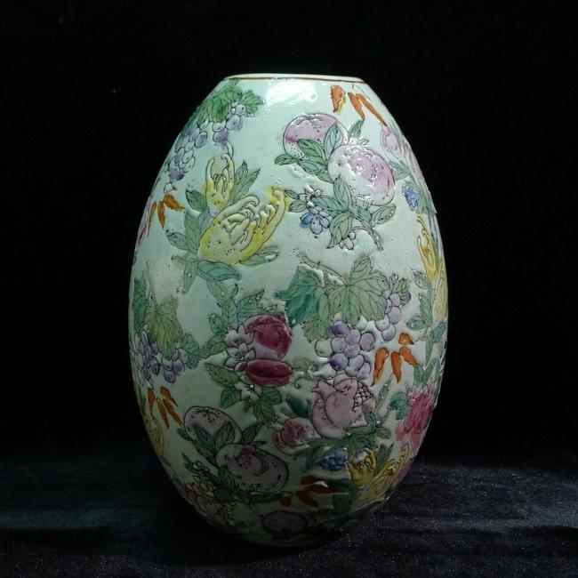 A Chinese famille rose olives vase - 2