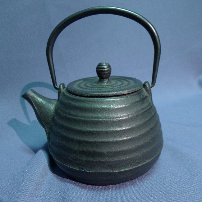 A Japanese 18/19th century Iron Teapot - 7