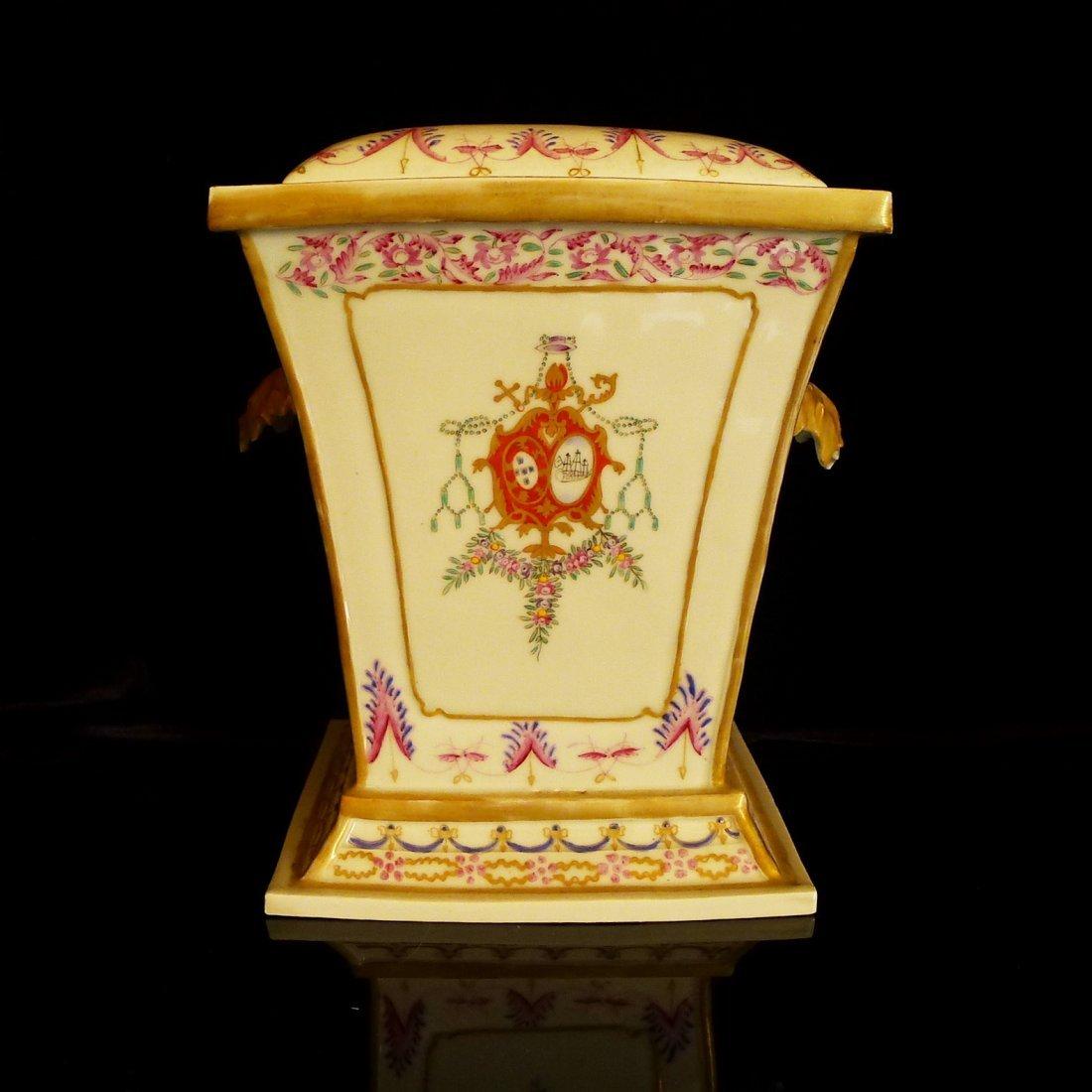 Prar of Chinese export porcelain European heraldry - 4