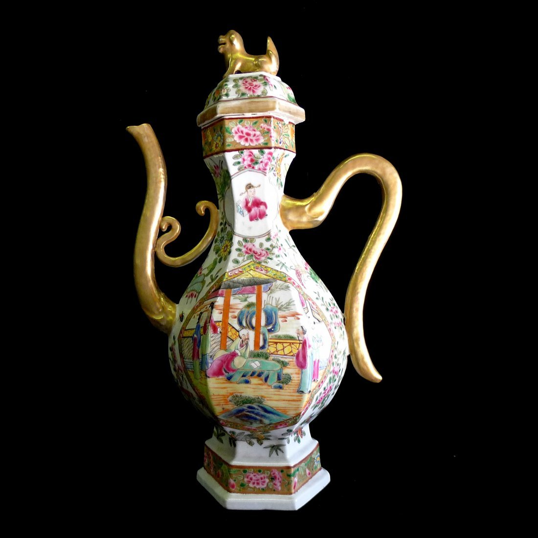 A Chinese Big Wide Color Outline In Gold Handed Pot
