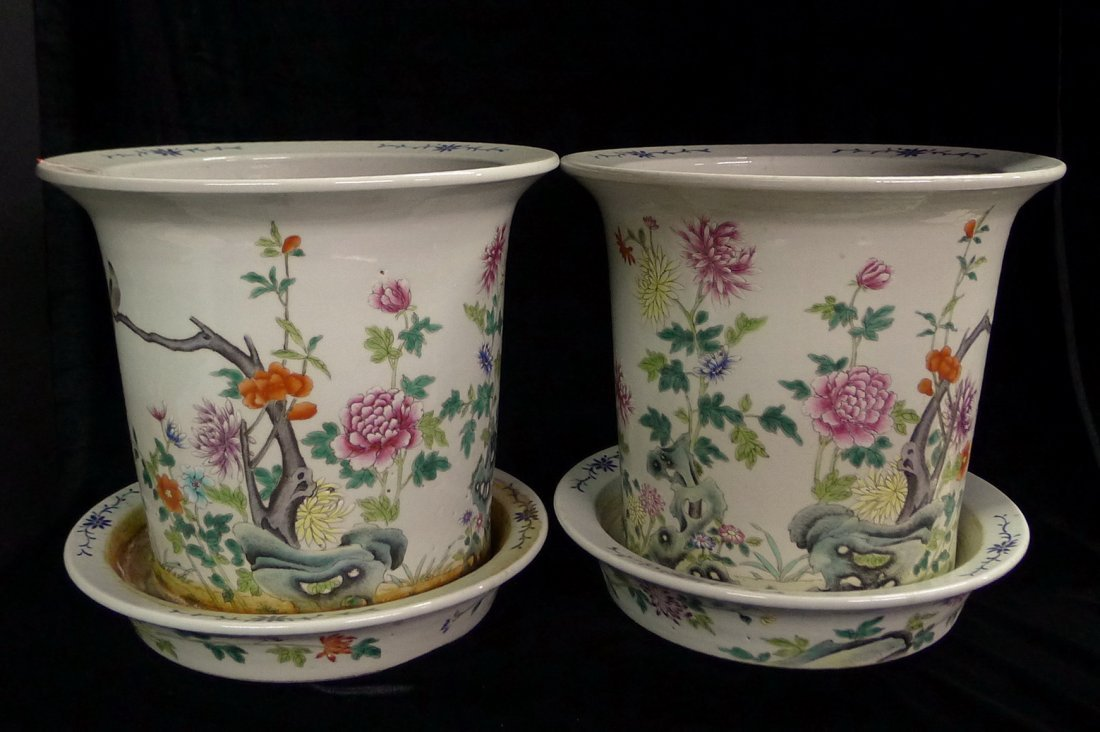 Pair of Chinese  Antiques Famille Rose Flowertop