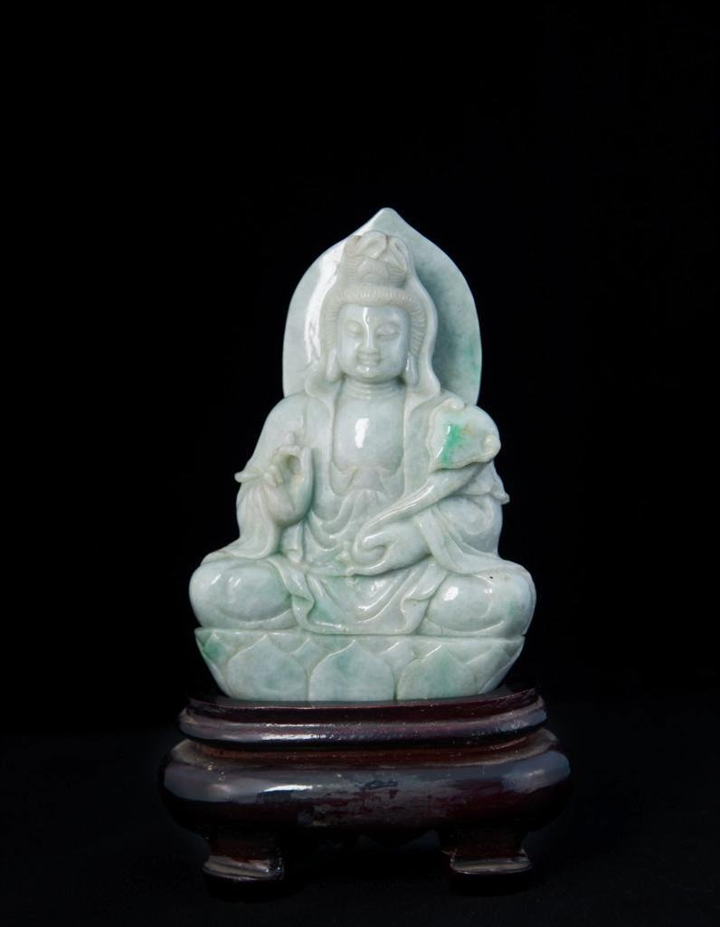 13: A CARVED JADE FIGURE OF GUANYIN - 3