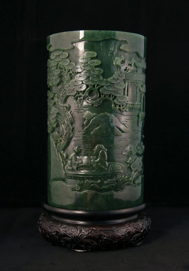 20: LARGE CHINESE SPINACH JADE BRUSHPOT, BITONG