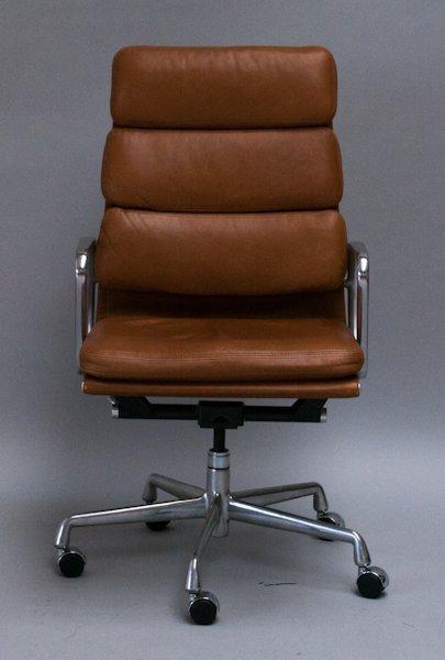 120: Eames Aluminum Group Soft Pad Executive Chair,