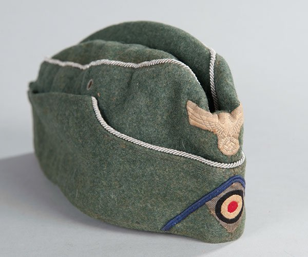 177: WWII German Medical Officer, Overseas Hat, Complet