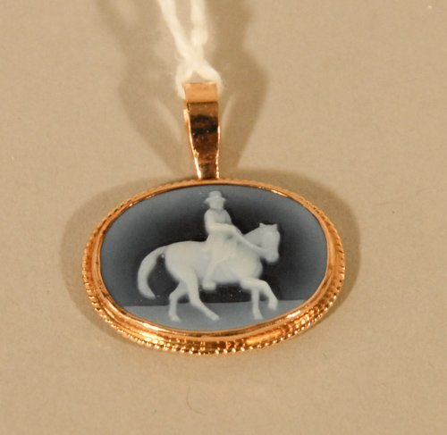 3: 14K Yellow Gold Equestrian Cameo