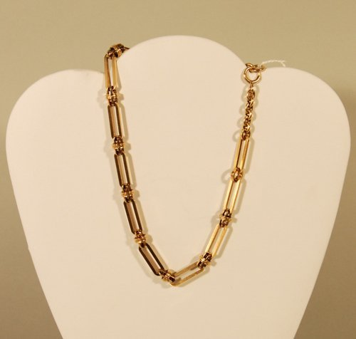 23: A 14K Yellow Gold Watch Chain