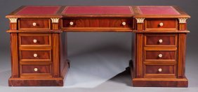 24: Early 20th Century Leather Top Desk
