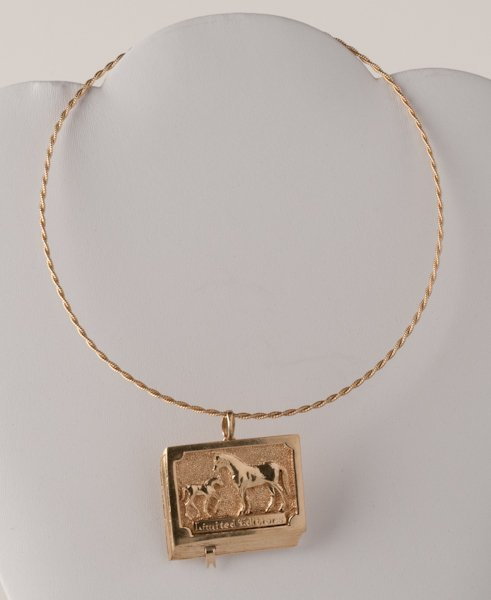9: 14K Yellow Gold Necklace with Pendant, 32.9 grams,