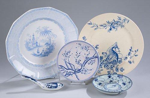Five(5) Pieces of Blue and White China, Unmatched