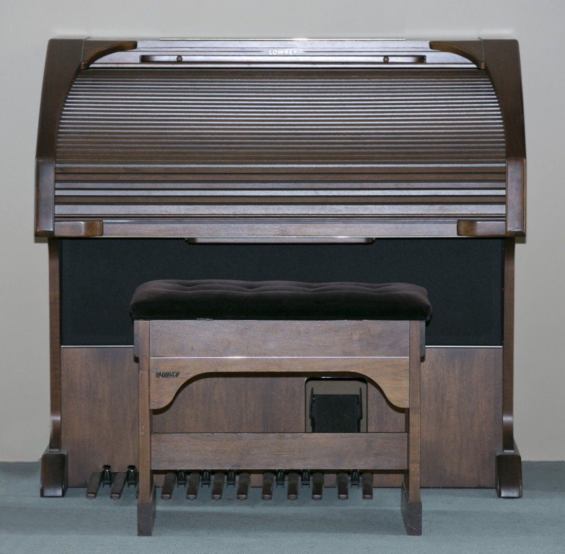 Lowrey Organ, Serenade Model X410 in Walnut Finish with