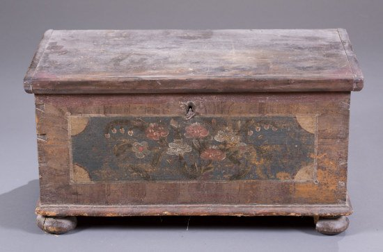 Pine Blanket Chest with Painted Floral Decoration