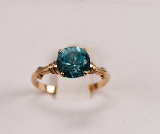 14K Gold and Glass Ring
