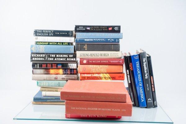 Abt. 26 Vols., includes books about Secret Service;