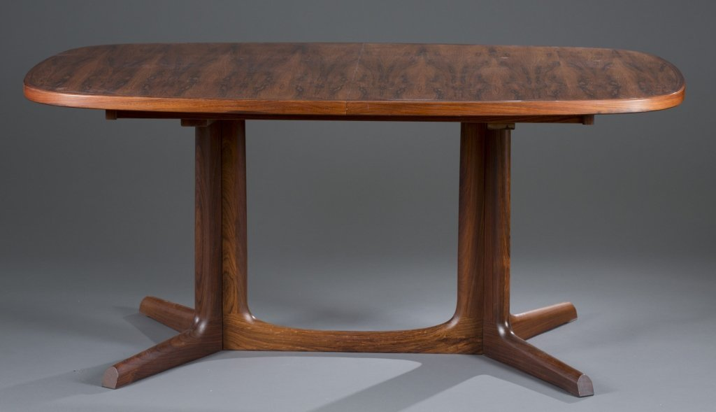 Gudme Oval Rosewood Dining Table