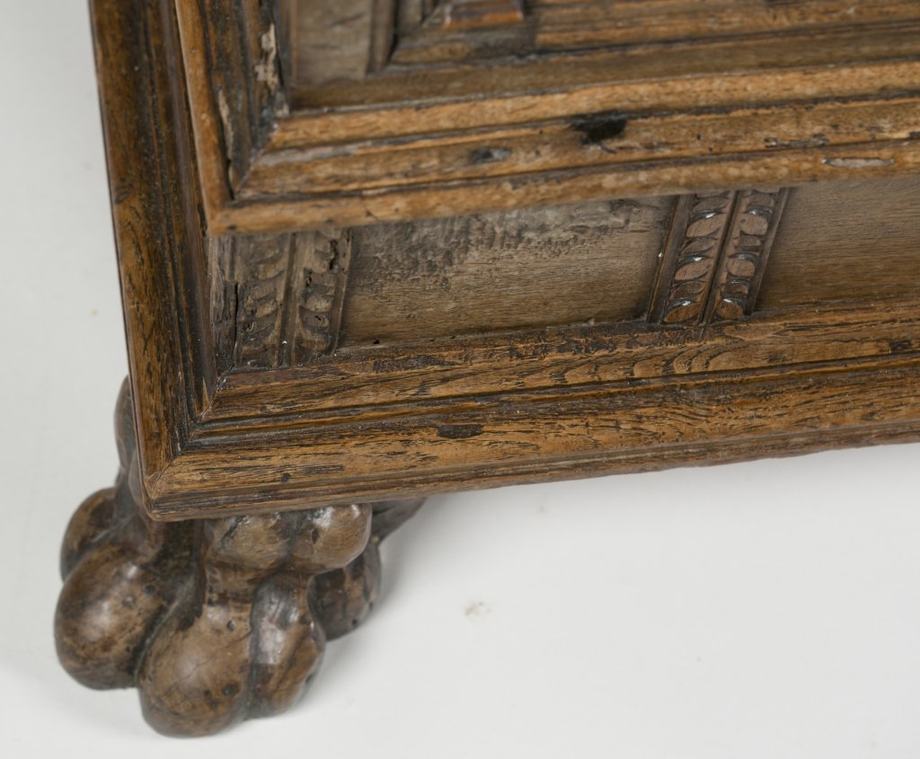 18th c. Continental Carved Oak Cassone. - 4