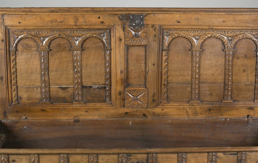 18th c. Continental Carved Oak Cassone. - 6